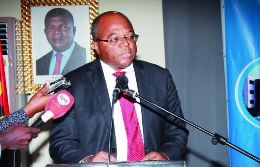Atual executivo de Angola representa fim da época de delapidação do erário público - Governo