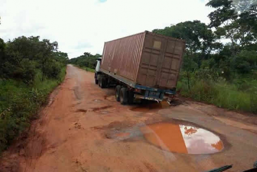 Estradas em más condições dificultam turismo interno em Angola