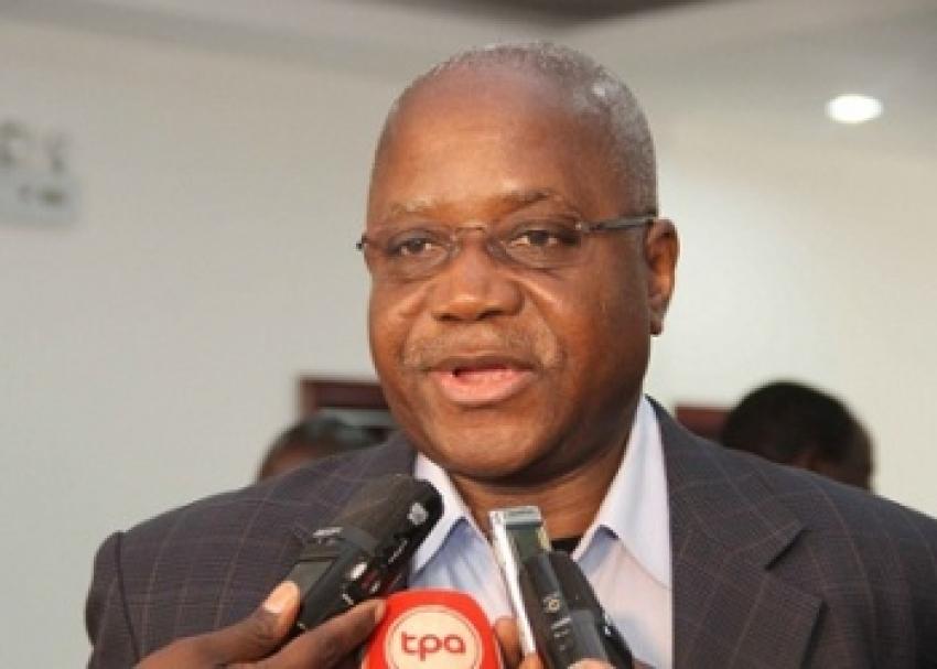 Empresa do deputado e ex-ministro da Indústria está a ser processada