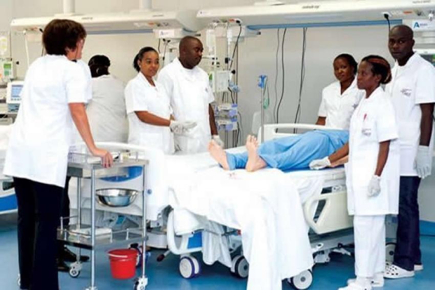 Enfermeiros de Luanda levantam greve depois de acordo com entidade patronal