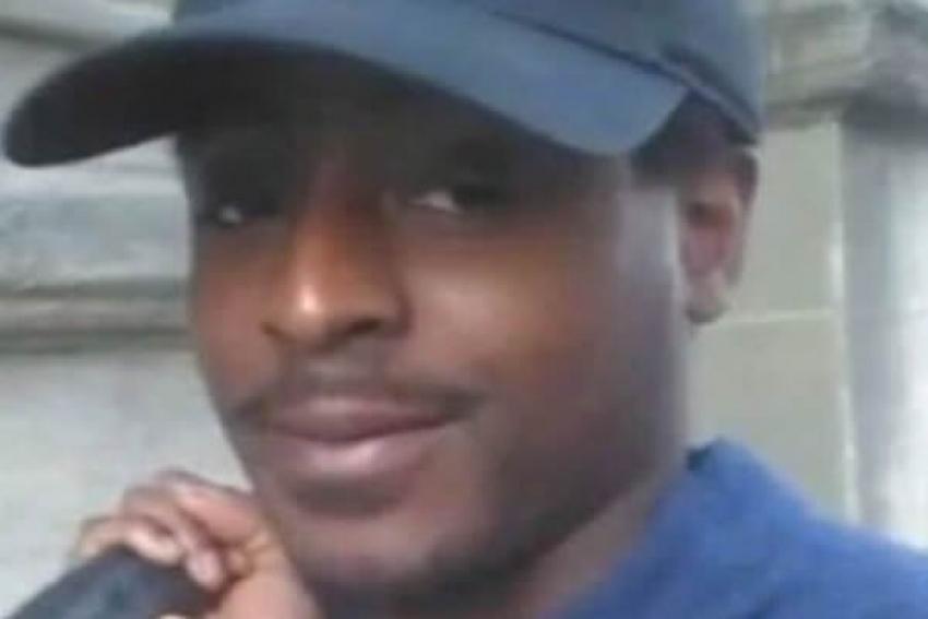 Mãe de angolano morto sob custódia policial britânica critica conclusão de inquérito judicial