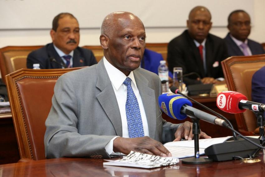 """Líder do MPLA quer Congresso a marcar """"momento de unidade e coesão do partido"""""""