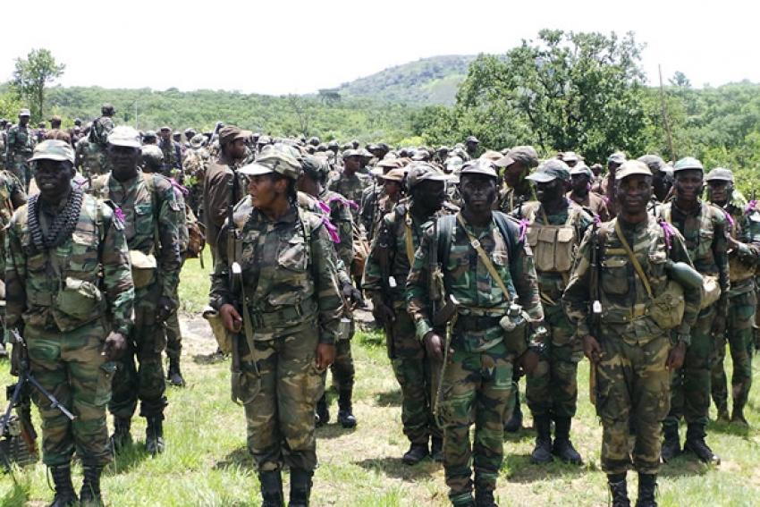 Militares angolanos vão poder reformar-se aos 45 anos até 2023
