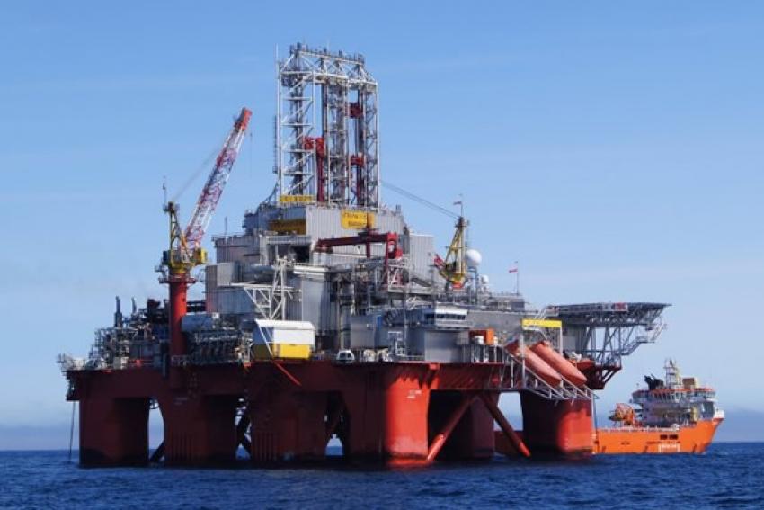 Governo  angolano perdeu mais de 700 milhões de dólares em novembro com o petróleo mais barato
