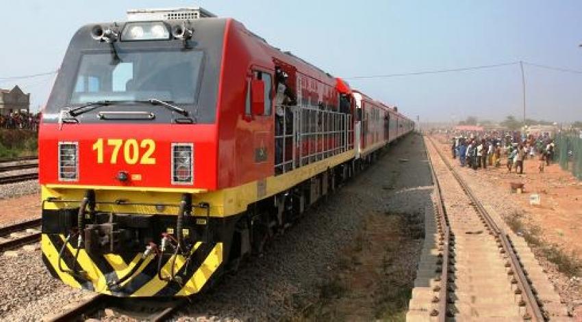 Trabalhadores do Caminho-de-Ferro de Luanda em greve por tempo indeterminado
