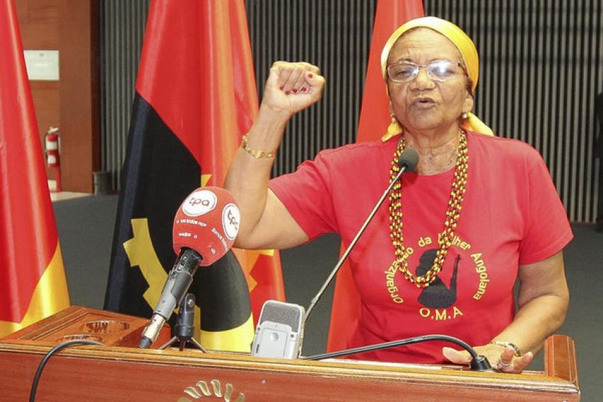 Deputada condena instituições que alegadamente exigem testes de VIH/Sida para contratar