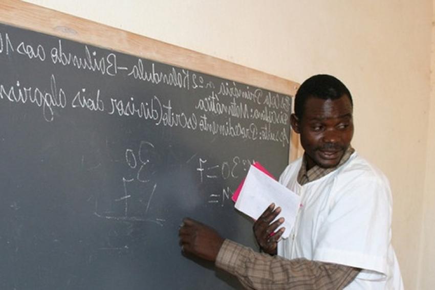MPLA apela ao patriotismo dos professores em greve durante três semanas