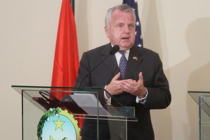 EUA condicionam retoma de bancos correspondentes com combate à corrupção em Angola