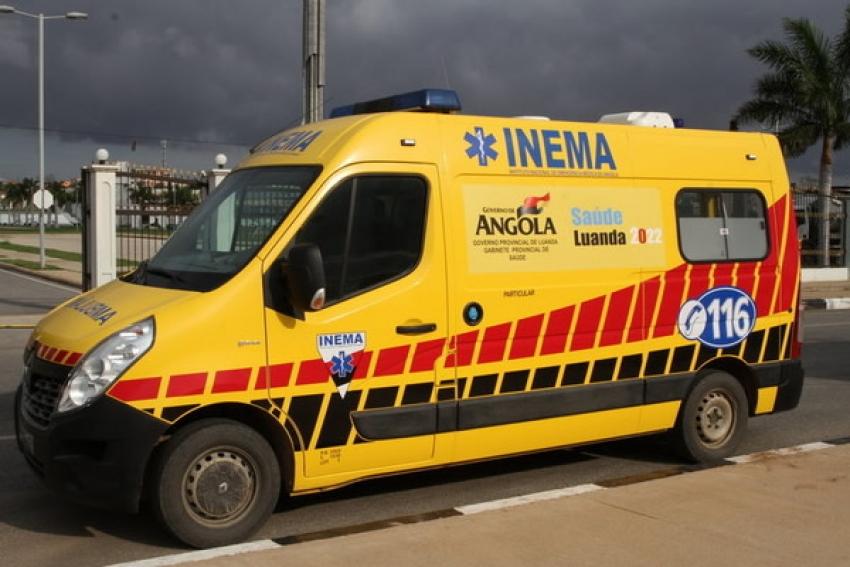 Governador de Luanda constata o abandono de 30 ambulâncias do INEMA em Viana