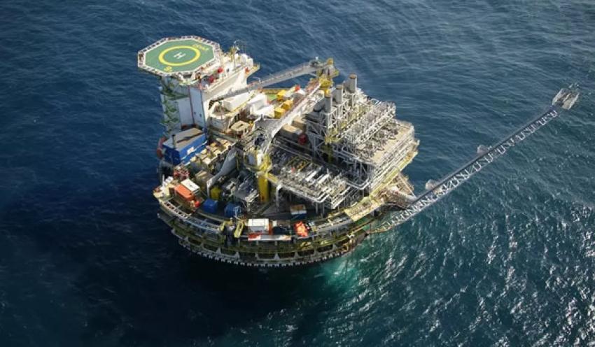 Angola entrega 20.000 barris de crude por dia ao Brasil para manter financiamento