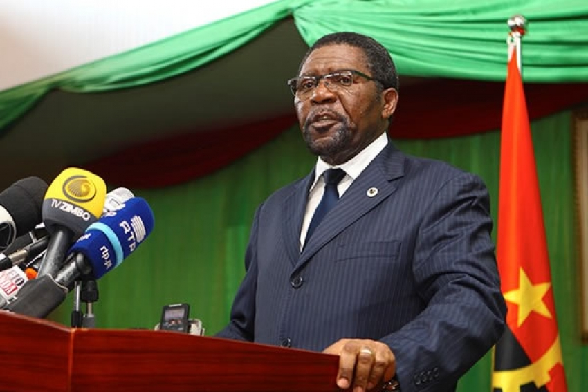 Isaías Samakuva deve regressar ao parlamento angolano e continuar na política