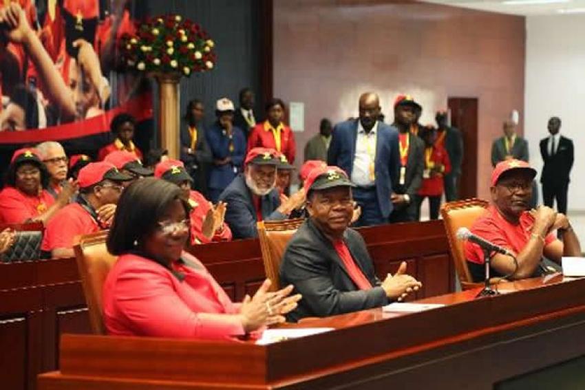 Lista de novos membros do Bureau Político do MPLA