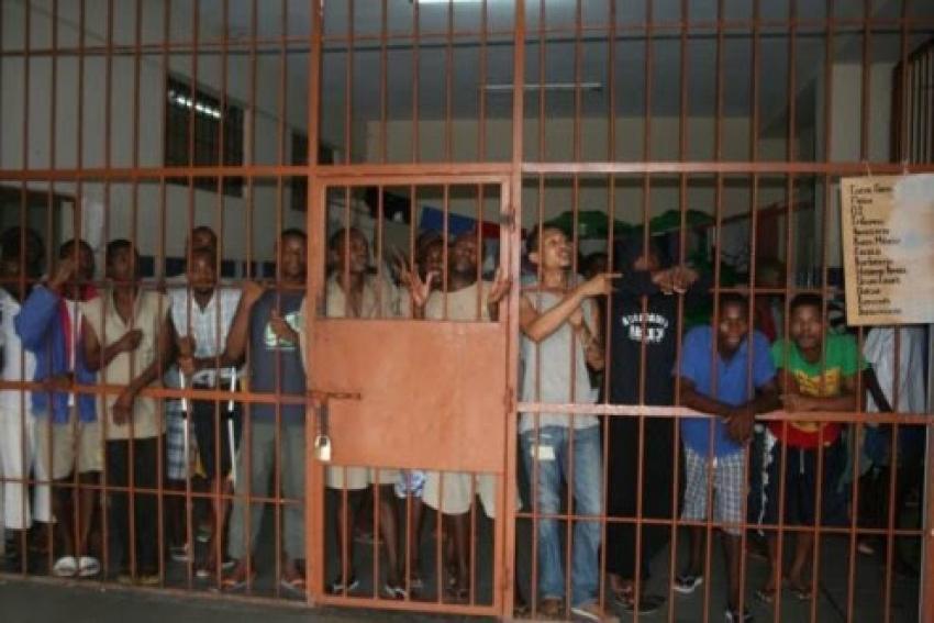 Sobrelotação em cadeia da província angolana do Huambo preocupa autoridades