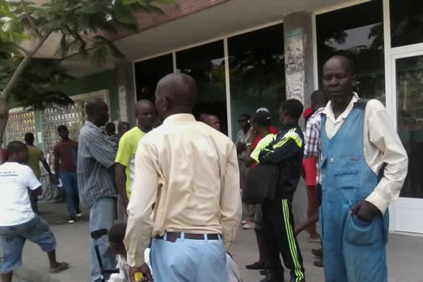 Funcionários públicos de Cabinda em greve