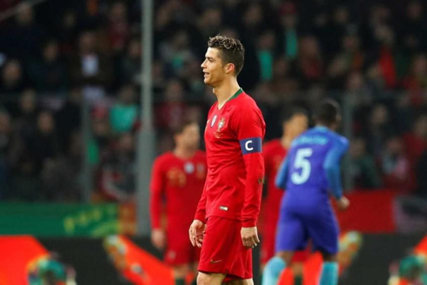 Holanda goleia Portugal por 3 - 0 e faz 'soar o alarme' nos campeões da Europa