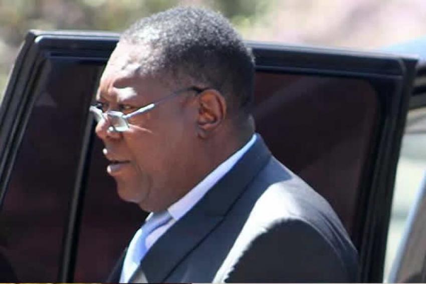 Ex-brigadeiro apoiado por Mugabe forma novo partido no Zimbabué