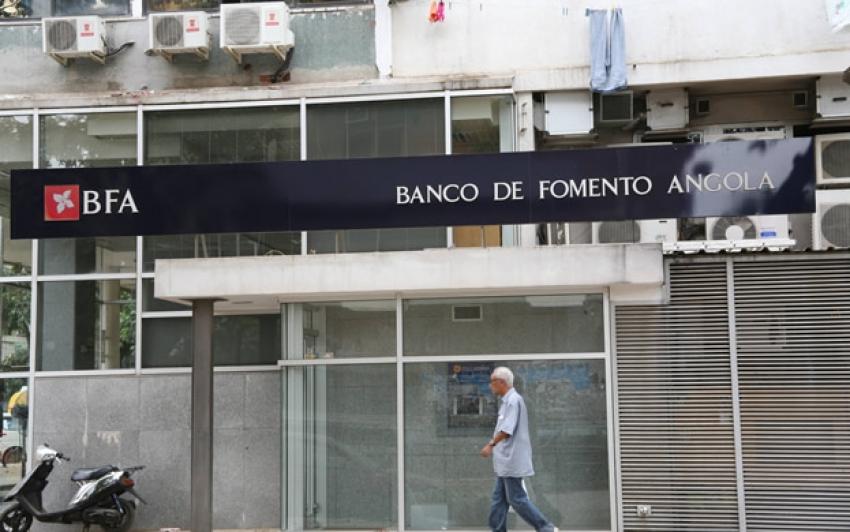 Três bancos comerciais em Angola multados por violarem dever de informar