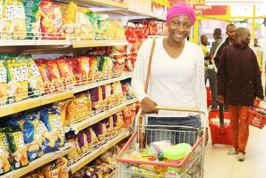 IVA começa hoje a ser aplicado em Angola