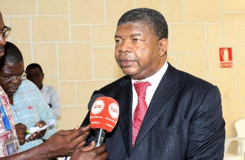 João Lourenço diz que MPLA e Frelimo devem unir-se para não serem vencidos por malandros