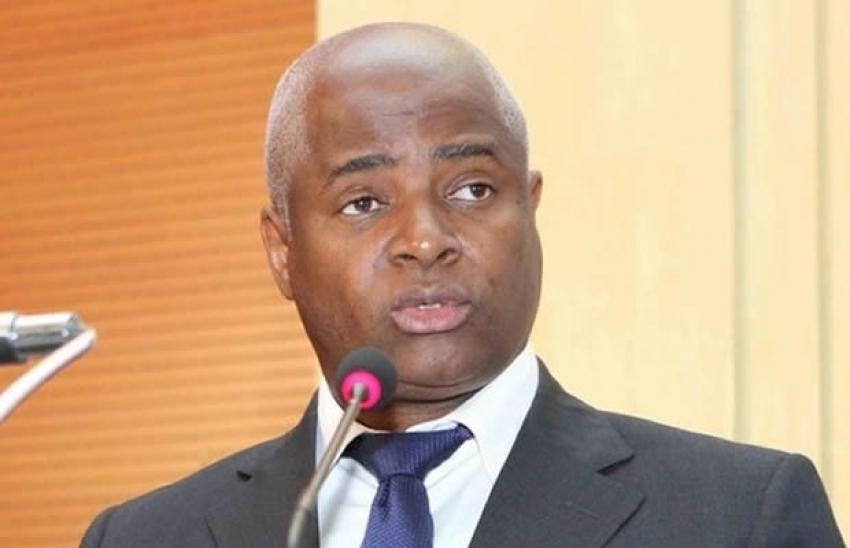 Governo angolano pede maior exigência na contratação de estrangeiros