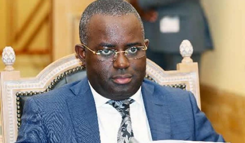 Ex-governador do BNA ouvido pela Justiça sobre transferência de 500 milhões de dólares