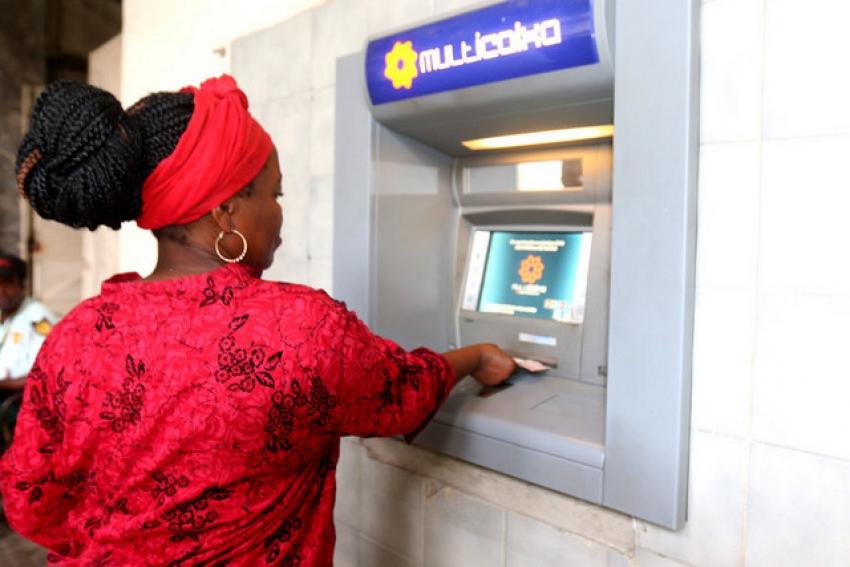 BNA fixa limites no sistema de pagamentos em Angola