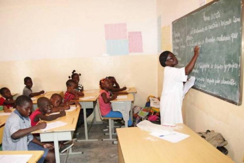 Professores da Escola Portuguesa de Luanda fazem greve esta terça-feira