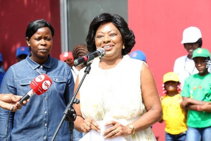 Polícia angolana detém falsificadores de documentos do gabinete da Primeira-Dama Ana Dias Lourenço
