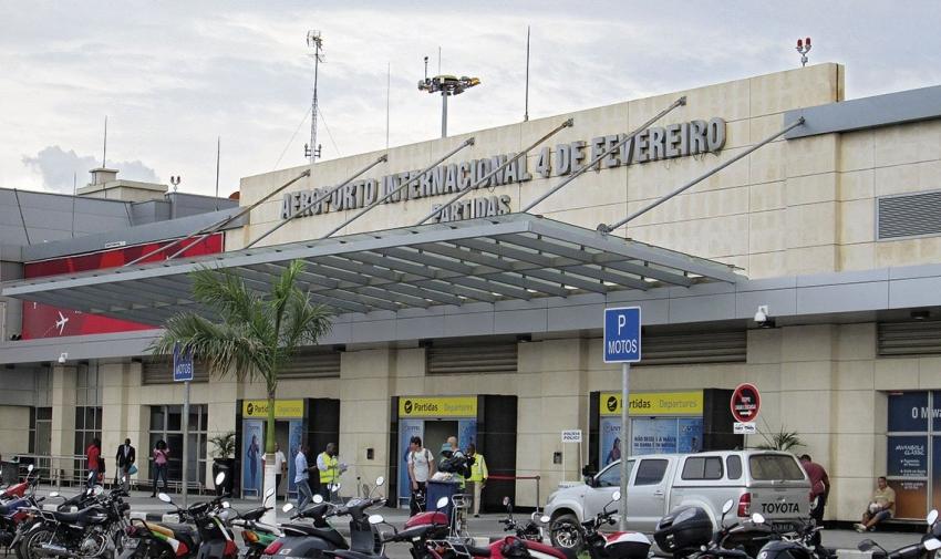 SME impedem a saída dos cidadãos que não falam correctamente português e os passaportes são confiscados