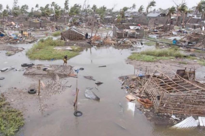 Angola envia missão humanitária para Moçambique com 100 técnicos de saúde