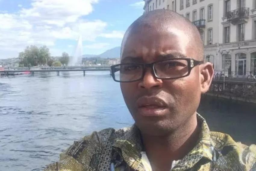Ativista angolano pede indeminização por alegada discriminação em restaurante