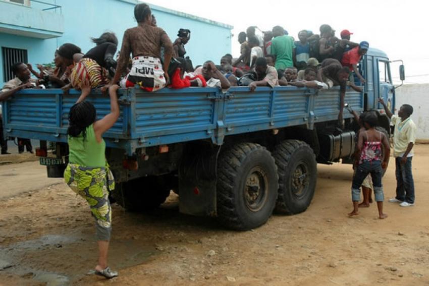 Autoridades angolanas expulsaram quase mil estrangeiros numa semana
