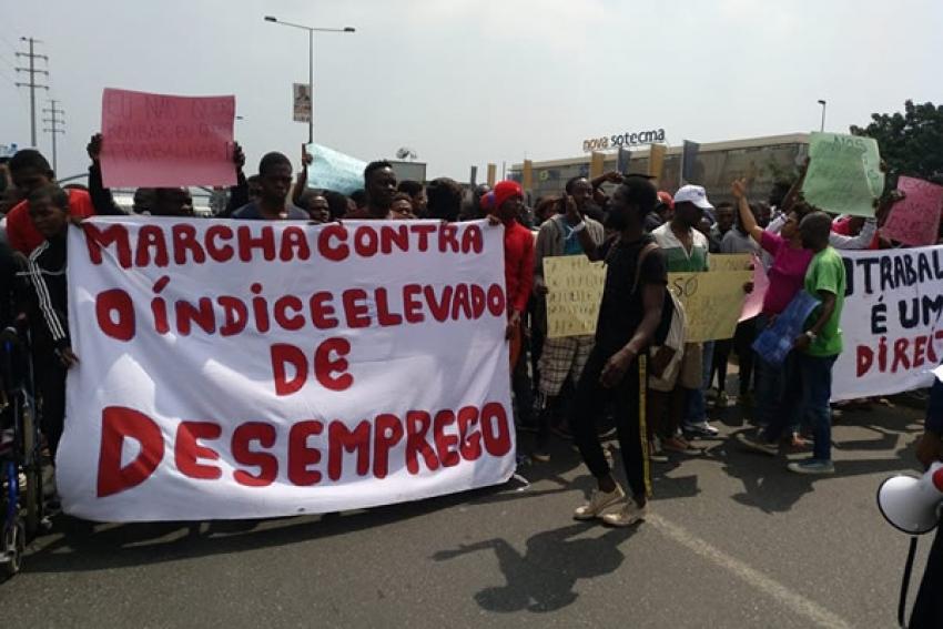 Centena e meia de desempregados angolanos manifestam-se em Luanda