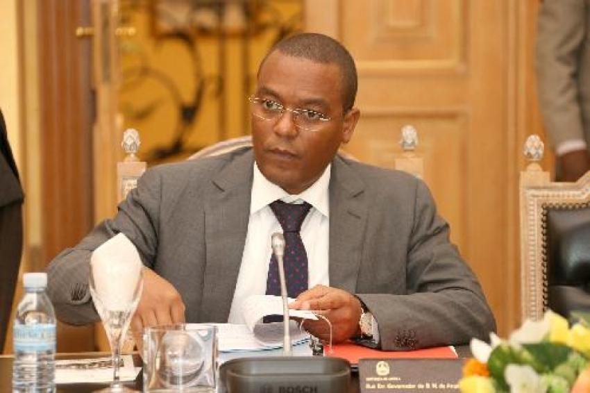 Reservas internacionais angolanas estimadas em 10 bilhões de dólares